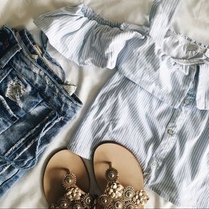Zara • Off Shoulder Crop Top Blouse